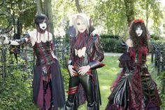 así conocí este increible grupop de visual kei  blood