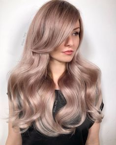 I love the NakedCollection in because it's so wearable and anyone can wear them. The three shades are customizable with… Ash Blonde Hair Balayage, Blonde Hair Looks, Wavy Hair, Dyed Hair, Hair Color Formulas, Corte Y Color, Haircut And Color, Hair Today, Foto E Video