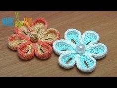 ▶ How To Crochet Two-Side 3D Flower Tutorial 36 - YouTube. ☀CQ #crochet #crochetflowers  http://www.pinterest.com/CoronaQueen/crochet-leaves-and-flowers-corona/
