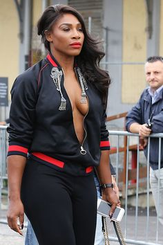 Serena Williams  Arriving at Gucci SpringSummer 2017 Women Fashion in Milan Sep-2016 Celebstills S Serena Williams
