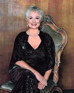 Shirley Jones - Elegant