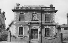 A 1966 picture of Culverden Brewery offices at 29 St John's Road. Camden Road, Tunbridge Wells, St John's, Family History, Old Photos, Brewery, Offices, London, Mansions