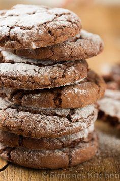 Chocolate crinkle cookies - Simone's KitchenSimone's Kitchen