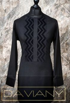 Love this design! African Shirts For Men, African Dresses Men, African Attire For Men, African Clothing For Men, African Wear, Nigerian Men Fashion, African Print Fashion, Designer Suits For Men, Mens Fashion Wear