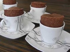 Tencerede Fincan Kek Tarifi - Resimli Kolay Yemek Tarifleri