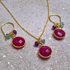 Stuck for a gift idea? We now offer a ruby pendant and earrings gift set.