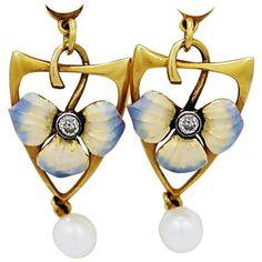 Art Nouveau Pearl Diamond Enamel Gold Dangle Earrings #GoldJewelleryArtNouveau Art Nouveau Ring, Bijoux Art Nouveau, Art Nouveau Jewelry, Jewelry Art, Gold Jewelry, Jewelery, Jewelry Design, Dangle Earrings, Enamel Jewelry