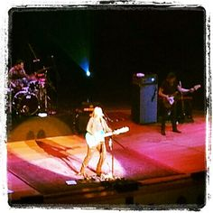 Twitter / debkath: Awesome concert by Melissa last night in Brisbane