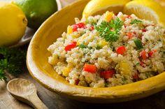 Die Gurke trifft Südamerika - Quinoa-Salat mit Paprika und Gurke