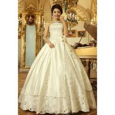 $84.18 Elegant Strapless Sequin Beads Embroidery Flower Hem Decorated Lace Up Vintage Wedding Dress For Bride