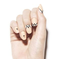 「韓国ネイルサロン《Unistella》で指先まで完璧クールにコーデして♭」に含まれるinstagramの画像