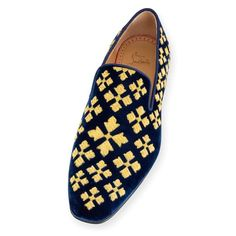 The Latest Fashion Footwear and Clothing For Men Mens Fashion Shoes, Men S Shoes, Fashion Rings, Mocassins Luxe, Sock Shoes, Shoe Boots, Giuseppe Zanotti Shoes, Mode Chic, Derby