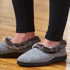 Wonderful ACORN Women Faux Fur Chinchilla Collar Slipper