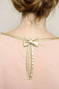 Bow and gold edging Neck Designs For Suits, Neckline Designs, Sleeves Designs For Dresses, Back Neck Designs, Dress Neck Designs, Sleeve Designs, Kurta Designs, Blouse Designs, Gala Design