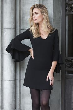Easy healthy breakfast ideas on the good day song Dress Outfits, Casual Outfits, Dress Up, Chiffon, Crepe Dress, Pulls, Casual Chic, Dresses For Sale, Womens Fashion
