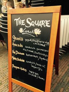 Lunch specialiteiten van The Square in Haarlem | Horeca terrasbord krijtbord stoepbord reclame marketing en stopkracht! Chalkboard