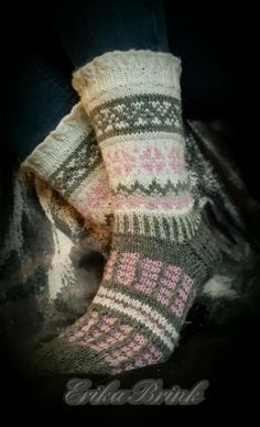 Knit Socks, Knitting Socks, Knit Stockings, Boot Toppers, Sock Shoes, Knitting Projects, Mittens, Hosiery, Slippers