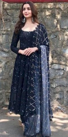 Gowns online buy designer gown stylish gown fashion marketplace india fashion re seller hub why printed cotton long indian kurtis are in trend nowadays Salwar Designs, Kurti Designs Party Wear, Blouse Designs, Designer Party Wear Dresses, Designer Gowns, Designer Belts, Anarkali Dress, Red Lehenga, Kebaya Dress
