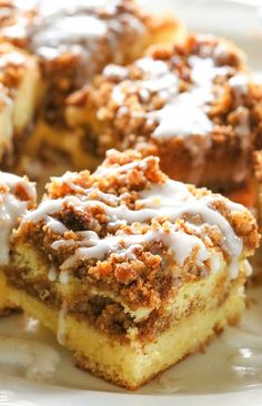 This Graham Streusel Coffee Cake is an unbelievably easy coffee cake with lots of brown sugar, graham crackers, and cinnamon. Although it's considered a breakfast food, it's really a treat for any time of the day.
