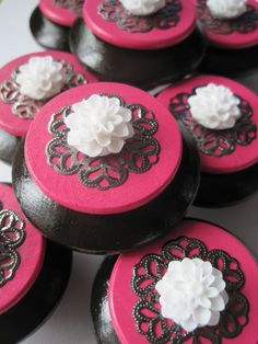 Drawer knobs with white flower dark brown and hot pink by DaRosa