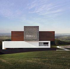 Gallery of LA House / Studio Guilherme Torres - 2