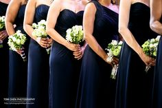 White and green bridesmaids bouquets. Design: @brideandblossom.  Photographer: Tom Chen photographerBayArea.com