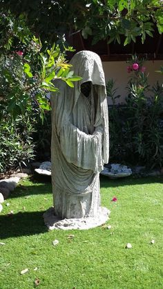 garden guard: a dress on the hanger with concrete smeared, if it is hard, with no . Cement Art, Concrete Art, Concrete Garden, Concrete Statues, Concrete Sculpture, Concrete Crafts, Concrete Projects, Garden Crafts, Garden Projects