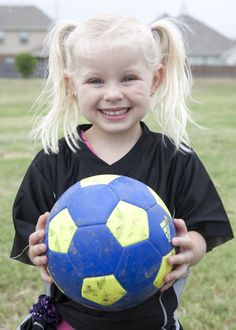 soccer photography ideas, kids sports pictures www.photographybymisty.com