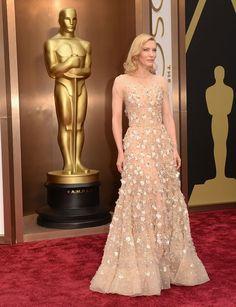 Cate Blanchett http://www.marie-claire.es/moda/look/fotos/alfombra-roja-oscar-2014-las-mejor-vestidas/cate-blanchett-4