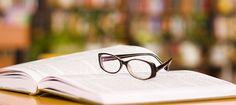 Vale a pena ler constantemente. Veja os motivos: Reduzir o estresse; Aumentar o conhecimento; Melhora da memória; Potencializa a concentração