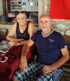 Mustafa Bey'le Bitez Tarihi Taş Kahvehane'de  siesta zamanı.. (Arap Çavuş Kahvehanesi) ¯\_(ツ)_/¯