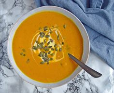 Easy and delicious recipe for a lovely, oven-baked soup with g … - Suppe Pumpkin Soup, Baked Pumpkin, Oven Baked, Thai Red Curry, Soup Recipes, Yummy Food, Ethnic Recipes, Blog, Handmade