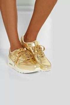 Gold Nike air max  lesdoitmagazine  sneakers Zapatos Dorados 5bd07ea36de