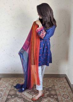 Asian Bridal Dresses, Simple Pakistani Dresses, Pakistani Wedding Outfits, Pakistani Dress Design, Pakistani Suits, Stylish Dress Book, Stylish Dresses, Casual Dresses, Fancy Dress Design