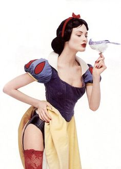 Shalom Harlow as sexy Snow White photographed by Francois Nars.