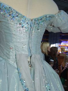 """"""" Glinda the Good When conceiving designs for G(a)linda, Susan Hilferty said she was based on the sky: thin. Broadway Costumes, Wicked Costumes, Theatre Costumes, Ballet Costumes, Movie Costumes, Cool Costumes, Costume Ideas, Broadway Wicked, Wicked Musical"""