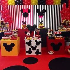 Mickey and Minnie Mickey Mouse Crafts, Minnie Y Mickey Mouse, Fiesta Mickey Mouse, Disney Mickey Mouse Clubhouse, Mickey Mouse Baby Shower, Mickey Mouse Parties, Mickey Party, Mickey Mouse Birthday, Ballon