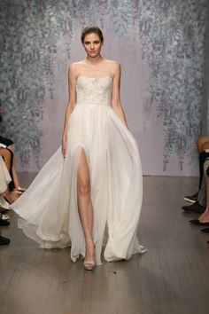 View entire slideshow: Monique Lhuillier Fall 2016 on http://www.stylemepretty.com/collection/3042/