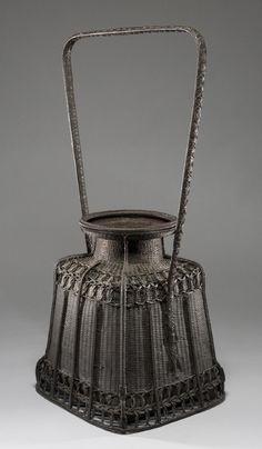 Rare ikebana basket of unusual form - Chikuyuusai I