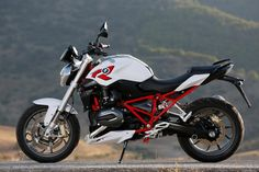 Water-cooled BMW R 1200 R. Read all about it at…