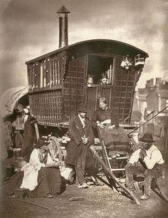 Caravan Gypsy Vardo Wagon: A wagon in Victorian London. Victorian London, Victorian Era, London 1800, Vintage London, Gypsy Caravan, Gypsy Wagon, London Street, London Life, Old Pictures