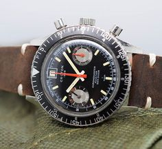 This super rare Croton Chronomaster date is still available in the shop for a bargain. Head to the site to take a look! Watch Room, Old Watches, Breitling, Take That, Instagram Posts, Accessories, Shopping, Vintage Watches, Old Clocks