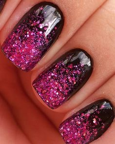 Christmas nail art: glitter christmas nails
