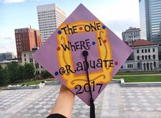 "TV Show ""FRIENDS"" inspired Graduation Cap Decoration Idea! 