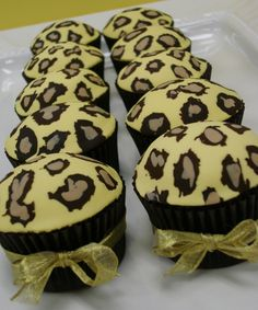 Leopard cuppy cakes!