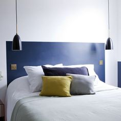 Wall colour headboard and light switches and pendant lamp - Hotel Henriette Paris Home Staging, Painted Headboard, Paris Rooms, Headboard Designs, Headboard Ideas, Paris Hotels, Home Bedroom, Bedroom Ideas, Master Bedroom