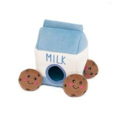 ZippyPaws Milk and Cookies Squeak Toy Price: & FREE. Informations About ZippyPaws Cute Dog Toys, Small Dog Toys, Pet Toys, Cute Dogs, Small Dogs, Dog Training Methods, Basic Dog Training, Training Your Puppy, Training Dogs