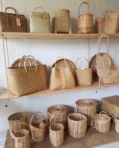 Woven Bags, Rope Crafts, Bamboo Furniture, Art Bag, Kitchen Supplies, Small Shops, Summer Bags, Plastic Canvas Patterns, Knitted Bags
