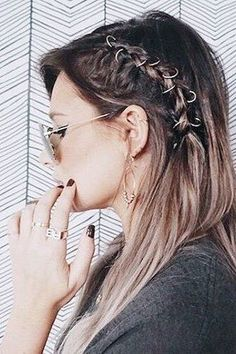 20 of the Coolest Pierced Braid Looks to Try This Summer Teen Vogue Braided Hairstyles Tutorials, Cool Hairstyles, Vogue Trends, Pelo Color Gris, Teen Vogue Fashion, Plaits, Hair Dos, Hair Trends, Dyed Hair