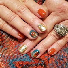 #manicureMonday #maniMonday featuring this brilliant composition of Autumn hues.
